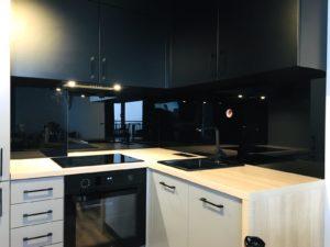 czarne szkło do kuchni